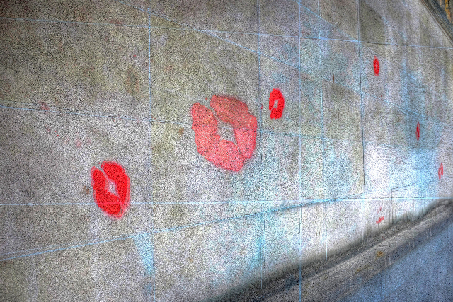 """""""Kissing Wall"""" by Pierre Lahoussois"""